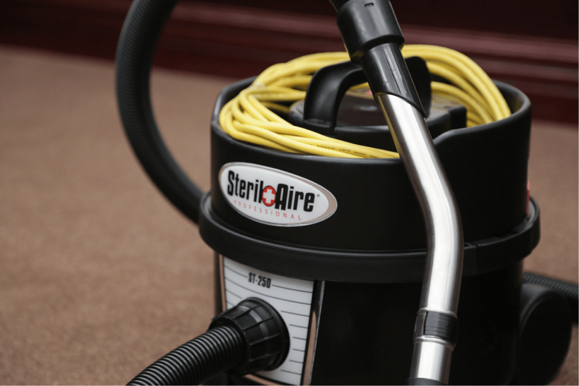 Custom fit DomeLabels are used for a vacuum nameplate